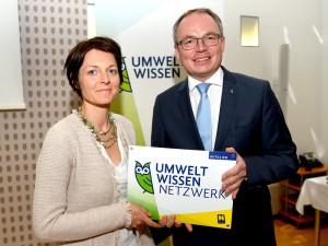 JGI-A Geschäftsfüherin Diana Leizinger und Umwelt-Landesrat Dr. Stephan Pernkopf