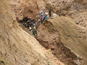 Coltan-exploitation-artisinale-Masisi-RDC-2-300x225